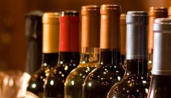 Vì sao rượu vang thường được đóng trong chai 750ml?