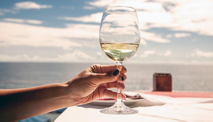 Lựa chọn ly rượu thích hợp cho bữa tiệc của bạn